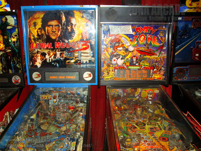 "Pinball ""LETHAL WEAPON 3"" y ""PARTY ZONE"" de DATA EAST y BALLY respectivamente."