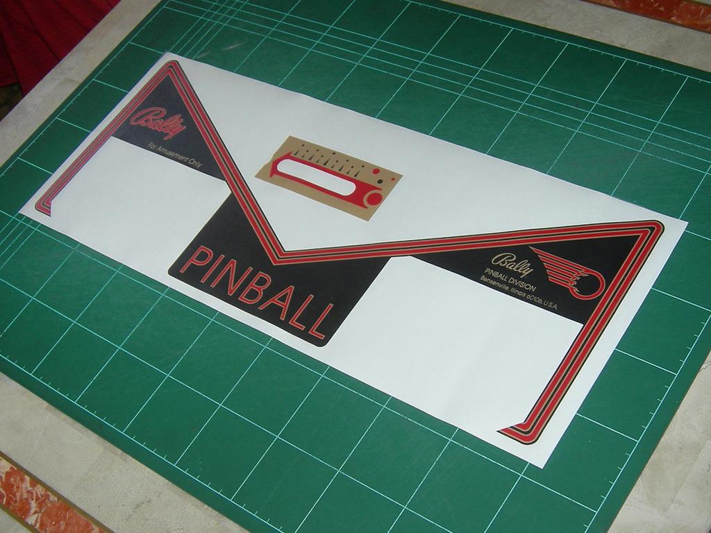Eight-Ball-Deluxe-Pinball-Aprons-print5.JPG