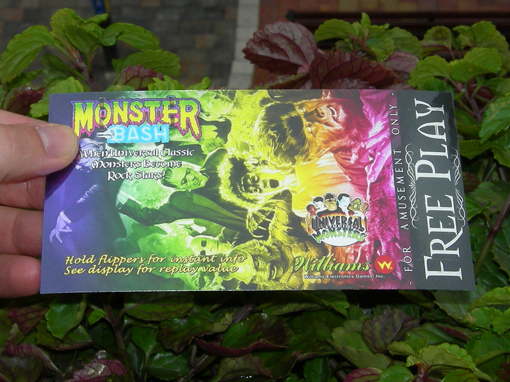 Monster%20Bash%20Custom%20Pinball%20Card%20Free%20Play%20print1.jpg